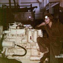 Collega Anton bij YA 626 motor
