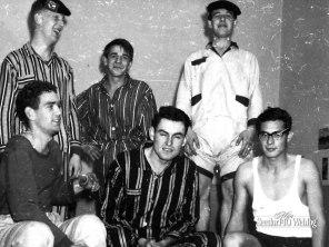 Hojel kazerne: Relou, van Breda, Linn, Tilmans, Westhove en ik